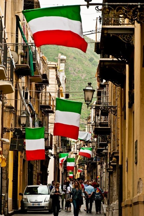 135248795030371215 hjdfbjzw c 2013 Winter Trends From Italy! How Do Italians Dress?