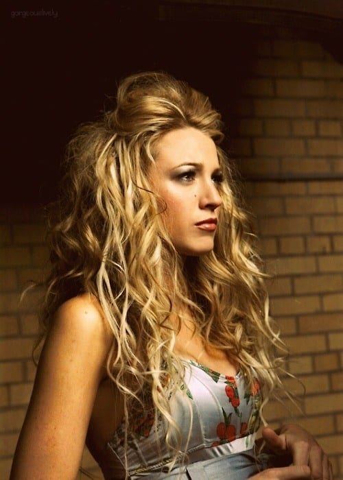 blake-lively-messy-hairdo