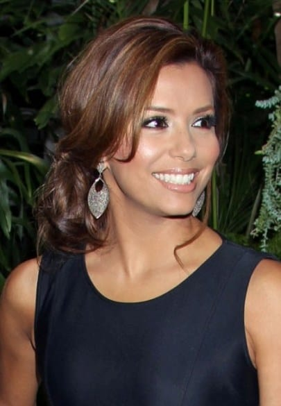 eve-longoria-loose-bun-hairstyle-look