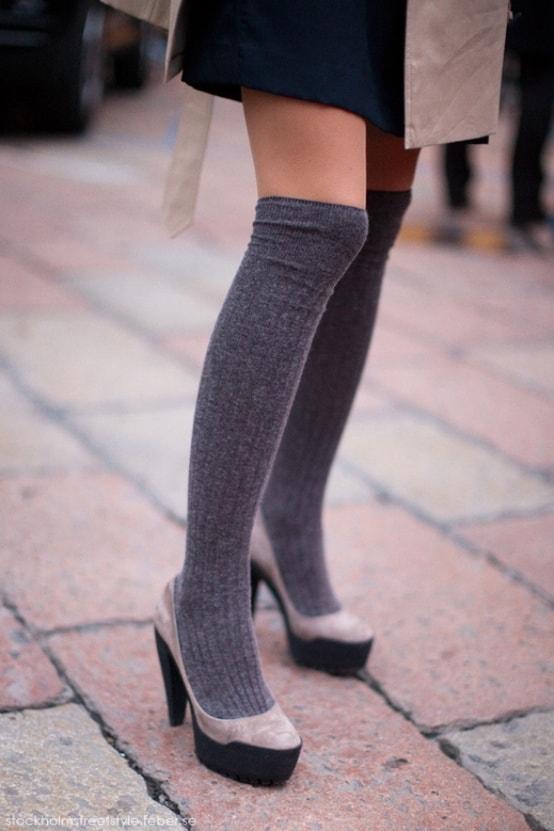 heeled-pumps-socks