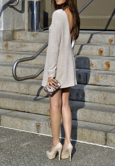 loose-mini-dress-nude-heels