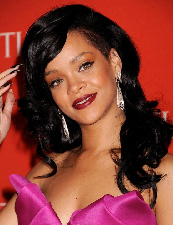 rihanna-dark-lips-makeup