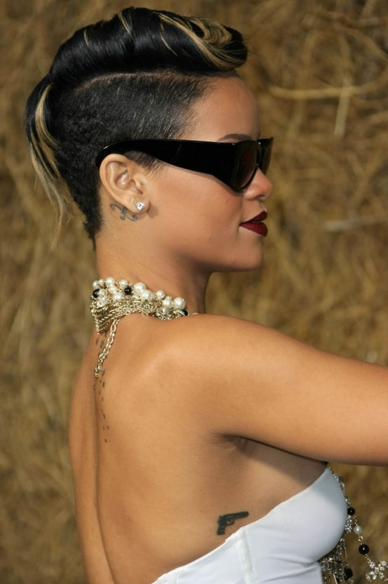 rihanna-short-hair