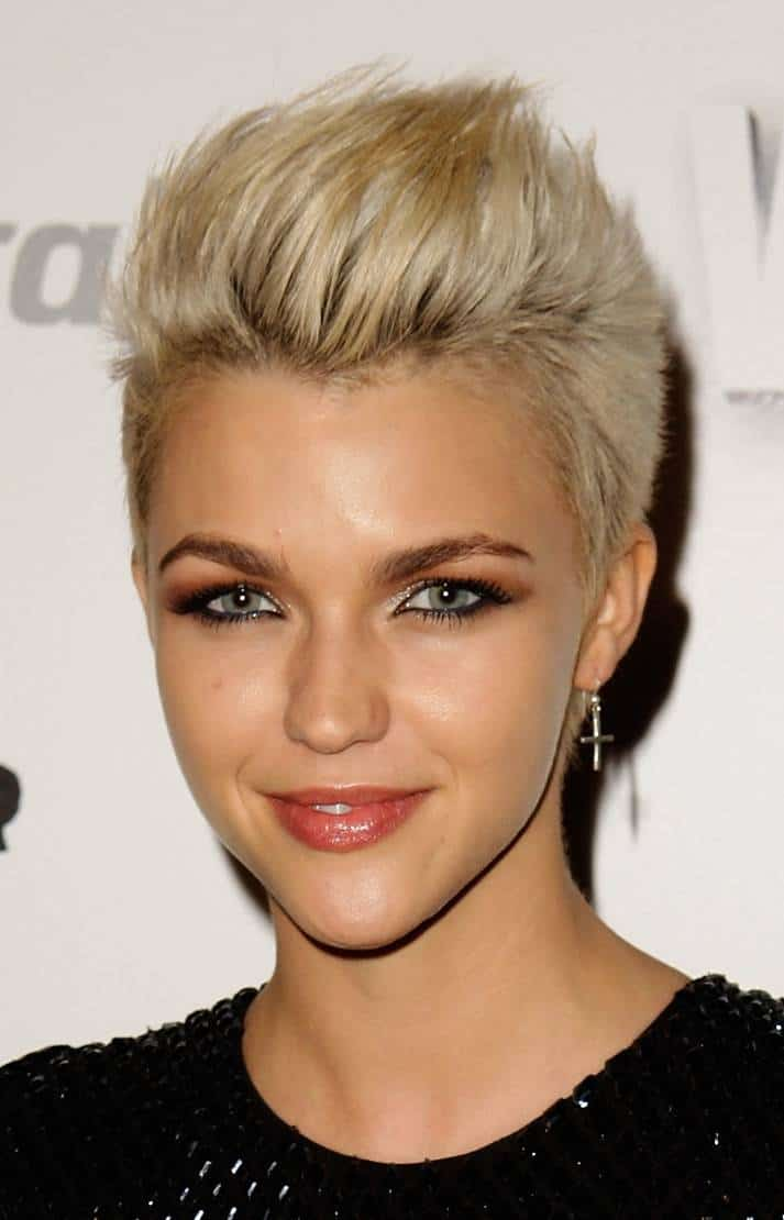 Peachy Hairstyles For New Years Eve What Look Should We Go For Short Hairstyles Gunalazisus