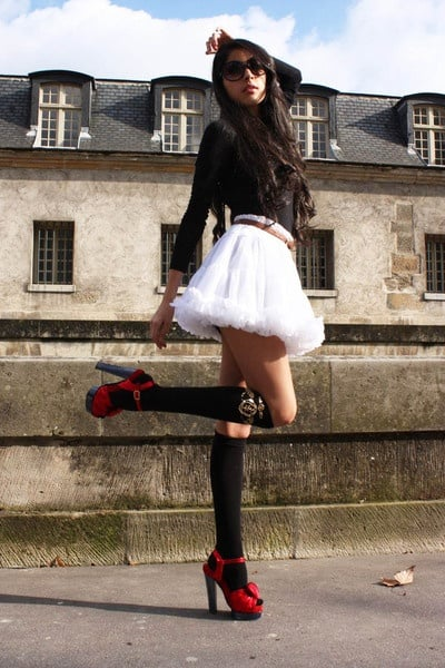 skirt-socks-red-heels-look
