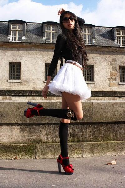 skirt-socks-red-heels-look