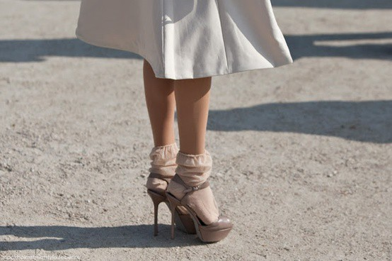 socks-with-skirt-fashion-style