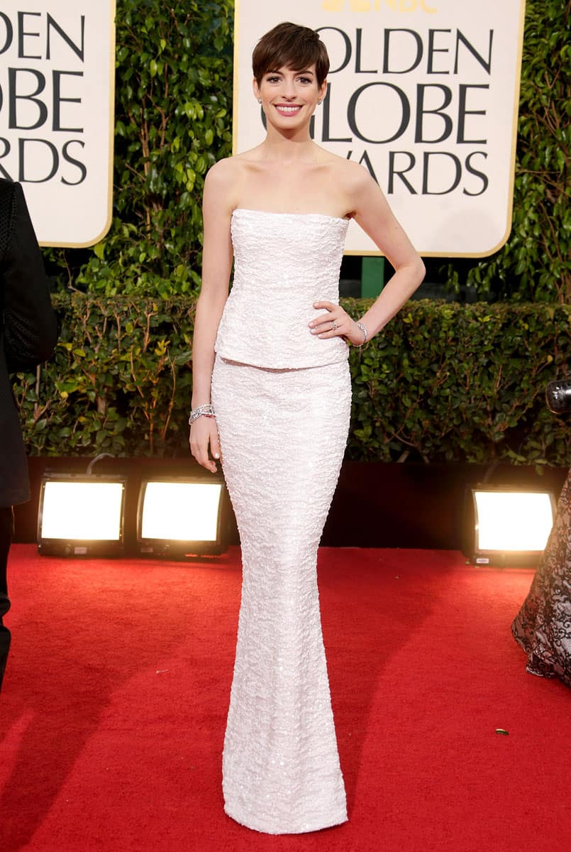 anne-hathaway-2013-golden-globes-dress-red-carpet