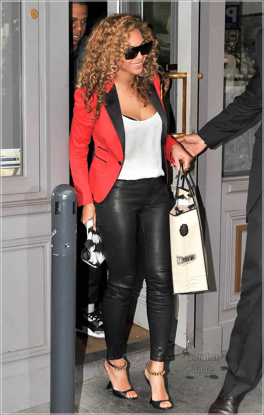 Beyonce and Jay Z Head To Dinner