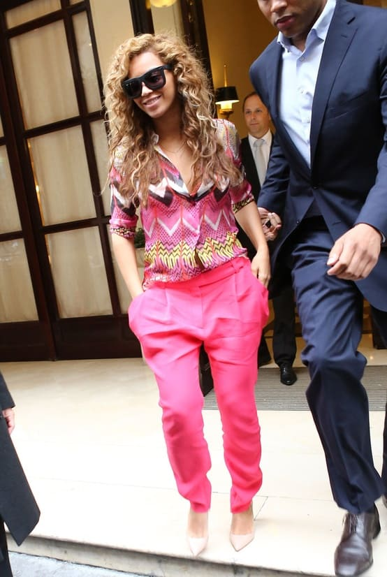 beyonce-pink-pants