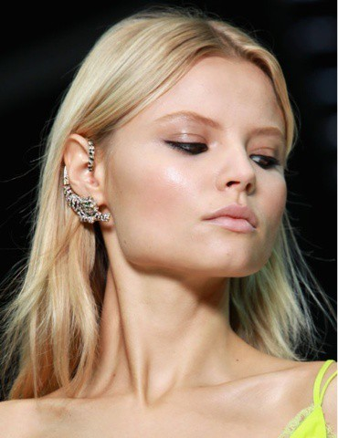 ear cuffs styles1 The New Bling: Ear Cuffs! Would You Wear Them Or Not?