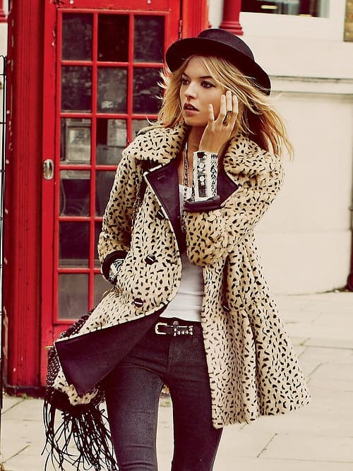 edgy-office-look-leopard-coat