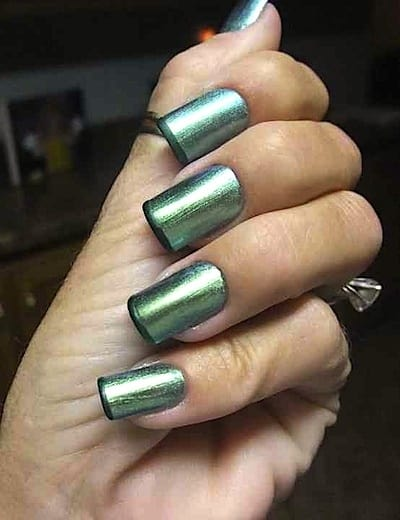 holographic-nails-style