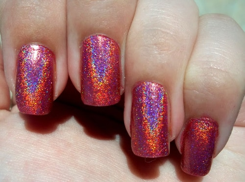 holographic nails The Holographic Trend! Retro Futuristic Glam Luxe Or Kitsch?