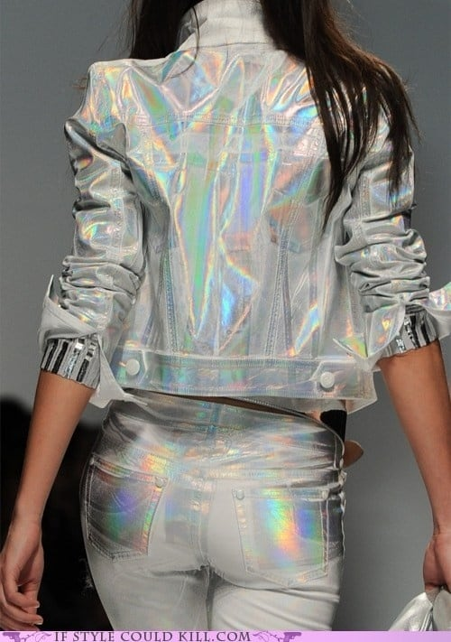 holographic-outfit