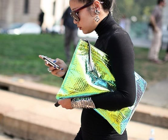 holographic-street style-trend-clutch