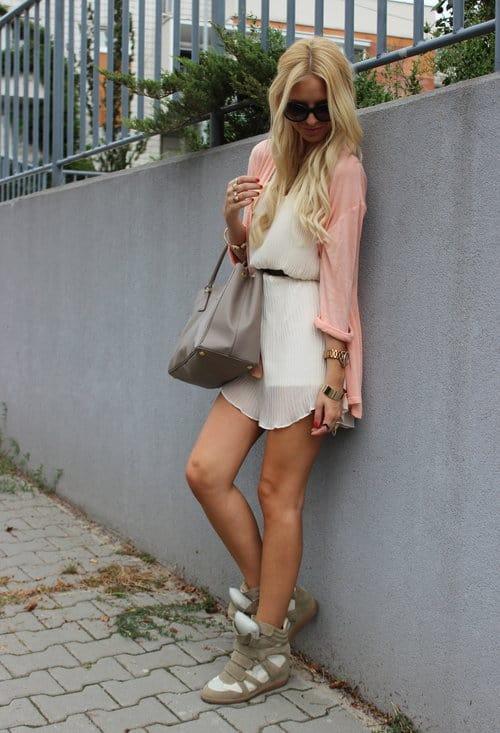 isabel-marant-sneakers-prada-bags~look-main