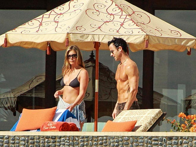 jennifer-aniston-2012-christmas-st-barts