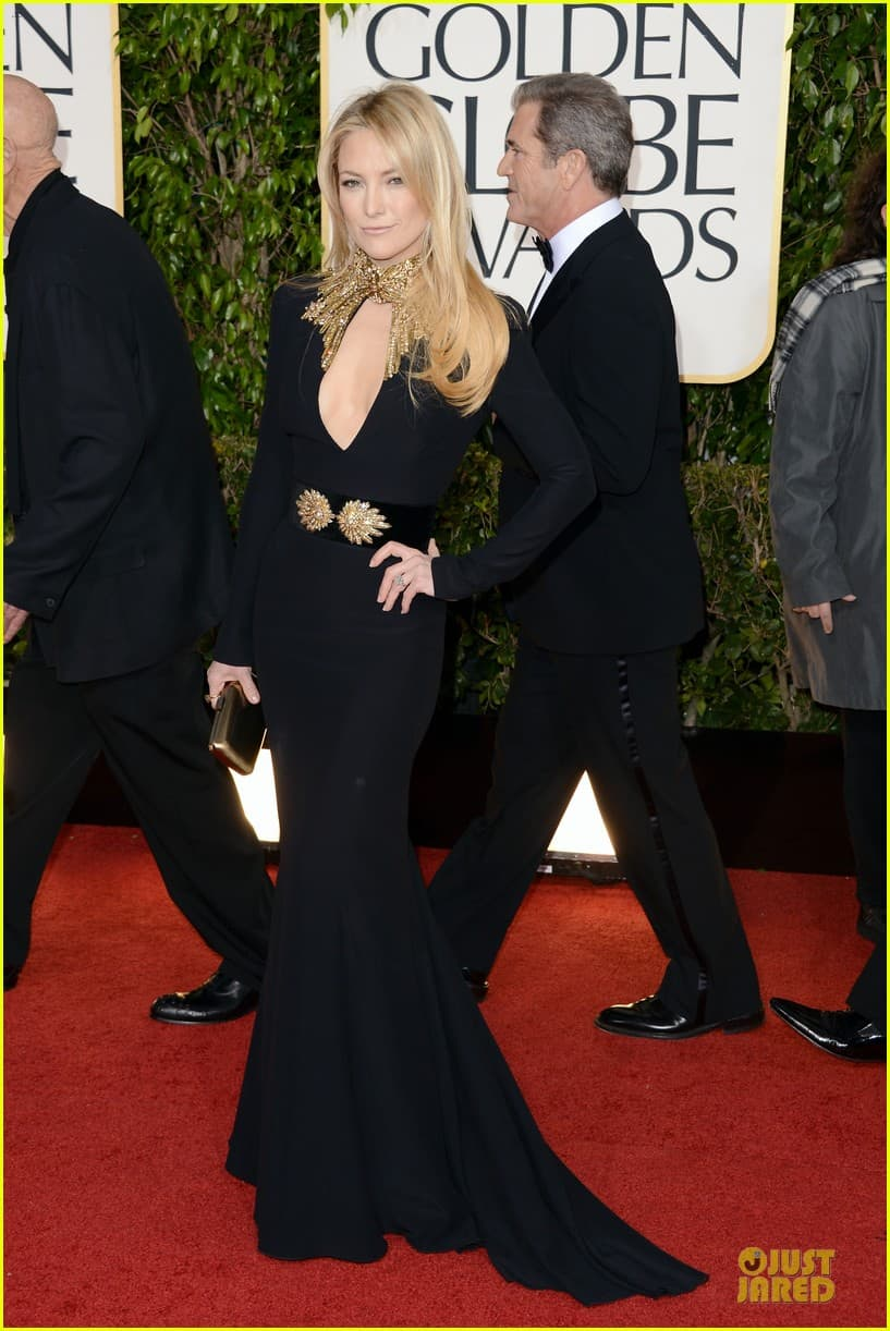 kate-hudson-golden-globes-2013-red-carpet-dress