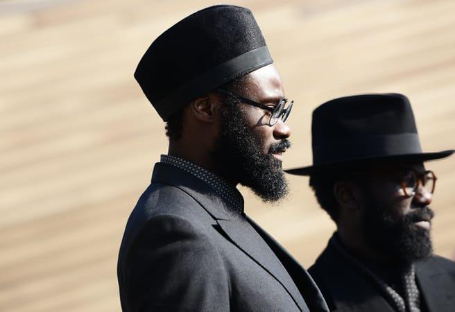 men-dark-suits-hats-street-styles