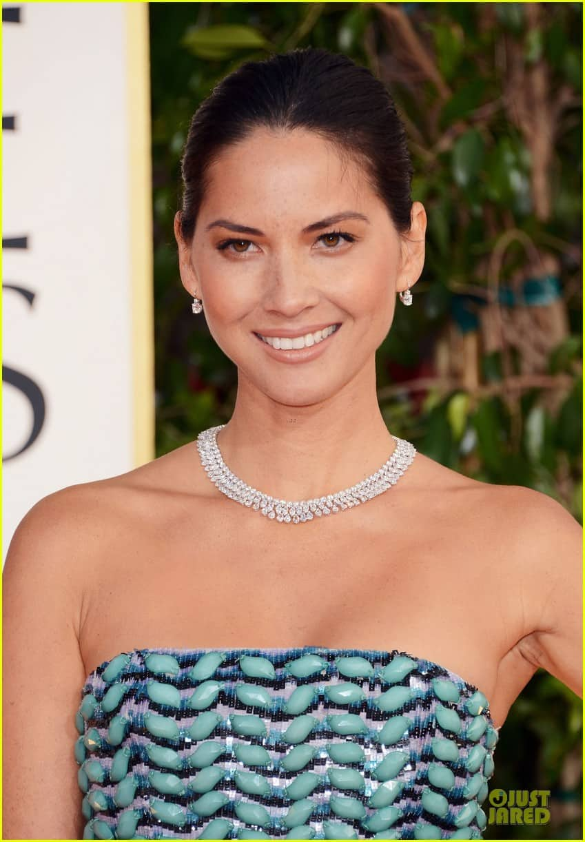 olivia-munn-golden-globes-2013-red-carpet-beauty-look