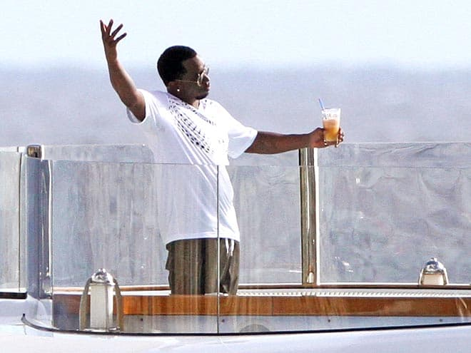 puff-diddy-christmas-yacht-2012