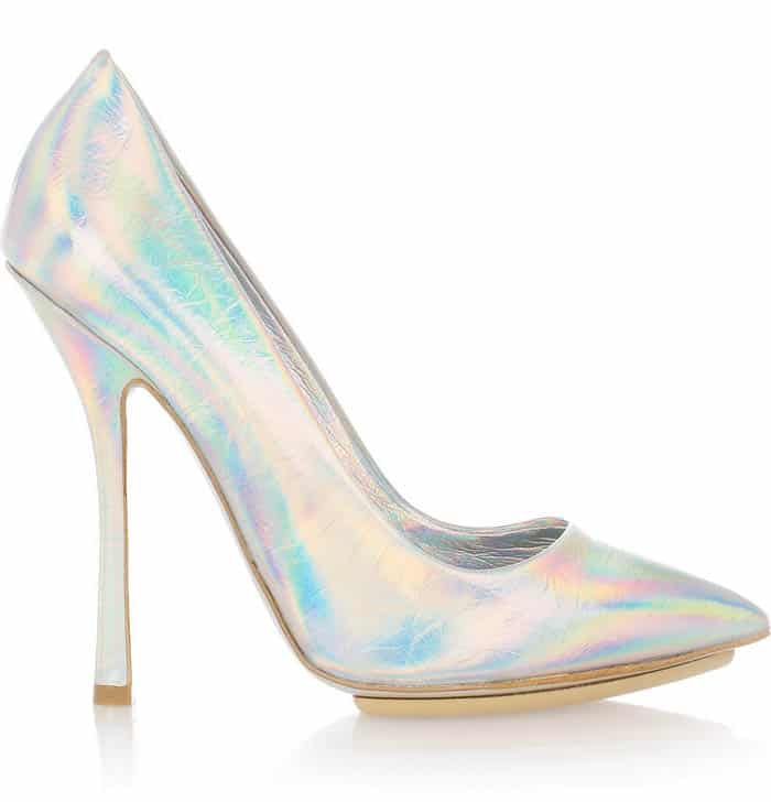 stellamccartney holographic1 The Holographic Trend! Retro Futuristic Glam Luxe Or Kitsch?