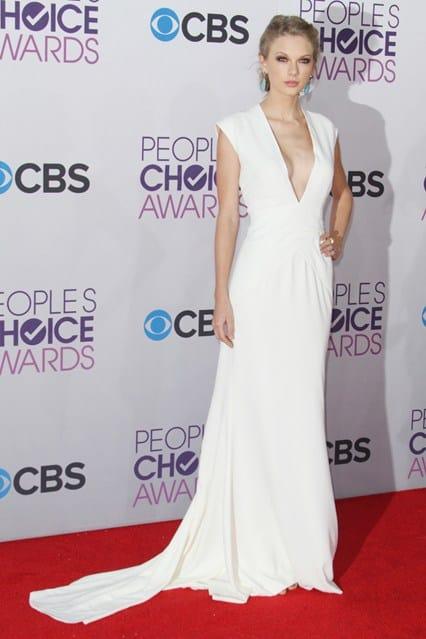 Taylor Swift at People's Choice Awards 2013, photo via Vogue