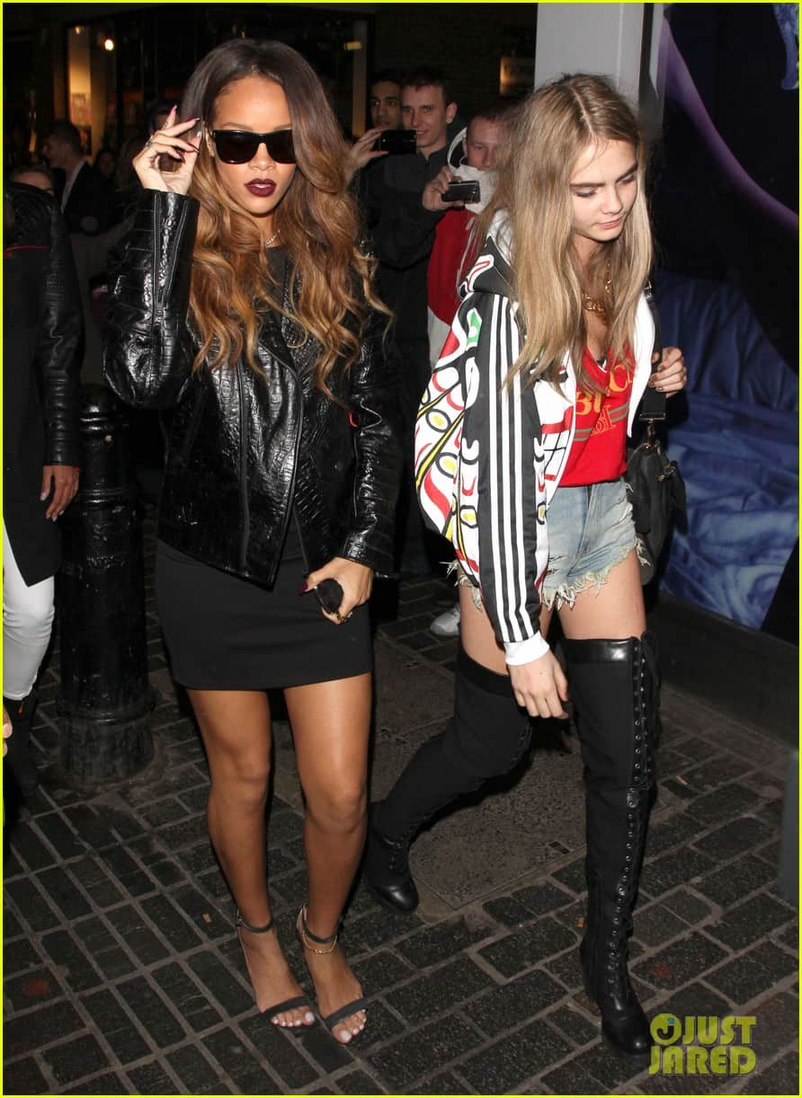 Cara-Delevingne-rihanna-party