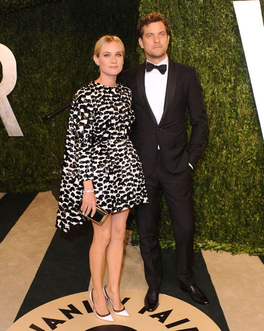 diane kruger en giambattista valli et joshua jackson oscars 2013 afterparty How Celebrities Partied After The Oscars? Sneak Peak Into The Vanity Fair After party...