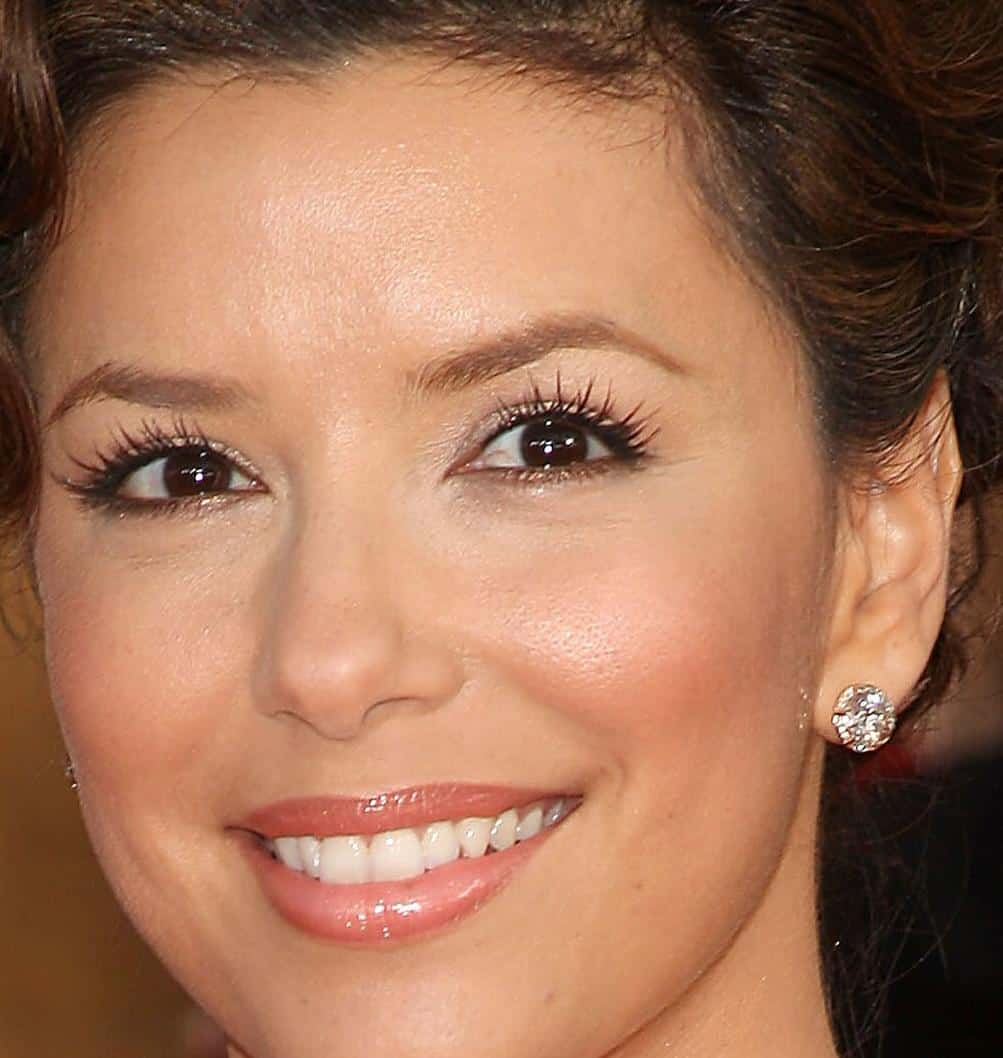 eva-longoria-stud-diamond-earrings