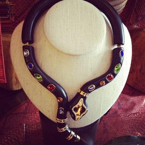 fashion-week-necklace-backstage