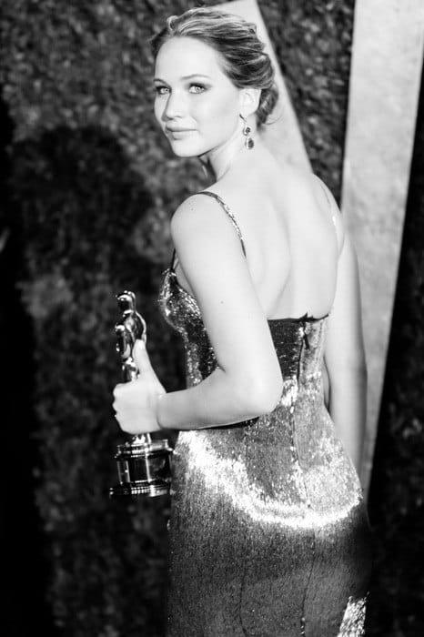 Jennifer-Lawrence-vanity-fair-oscar-party-2013