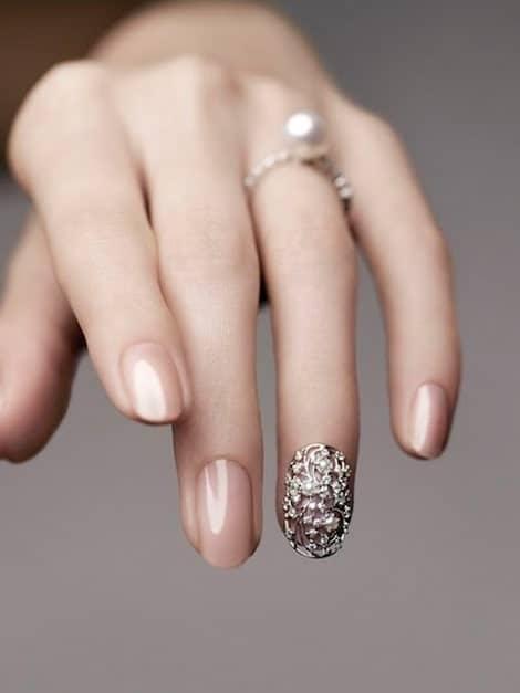 light-pink-nails