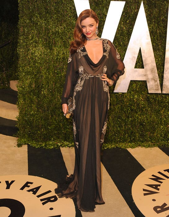 miranda kerr en valentino oscras2013 afterparty How Celebrities Partied After The Oscars? Sneak Peak Into The Vanity Fair After party...