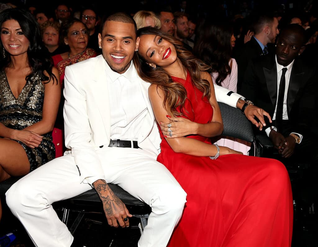 rihanna-chris-brown-grammys-tlc-2013