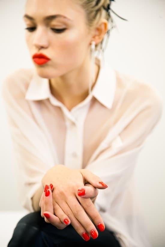 short-red-nails