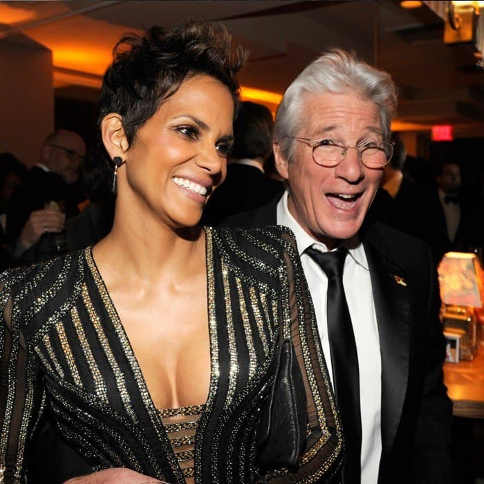 vanity-fair-oscar-party-2013-Halle-Berry-Robert-de-Niro