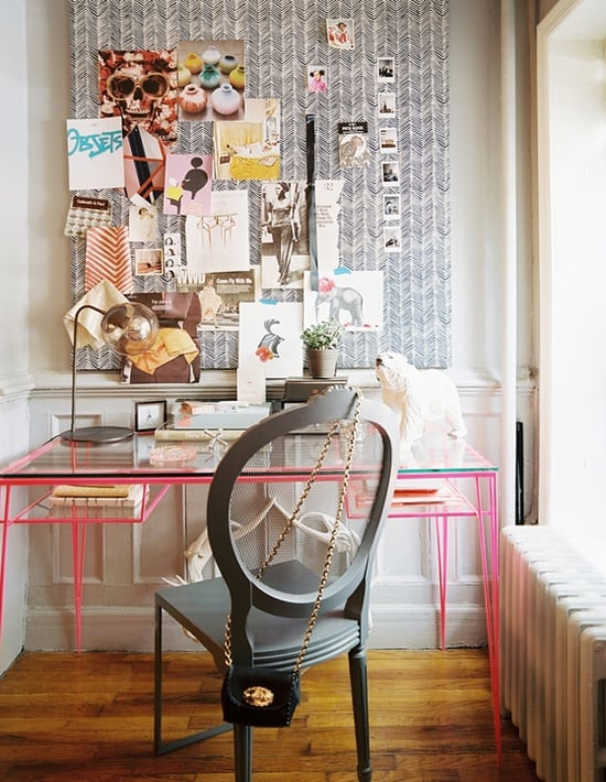 fashion-blogger-working-area