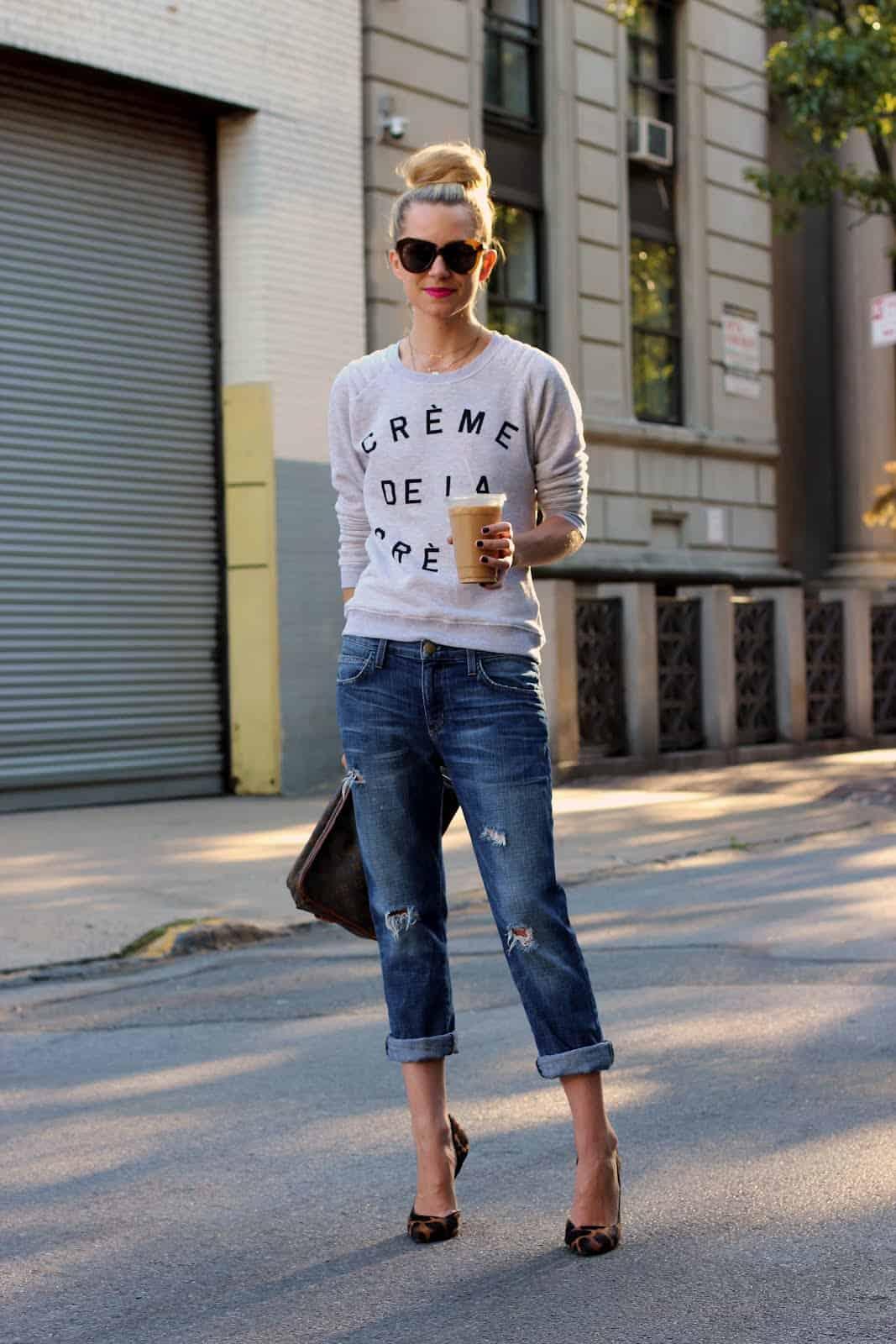 fitted-sweatshirt-boyfriend-jeans