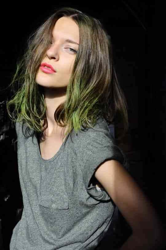 green-dip-dyed-hair (2)