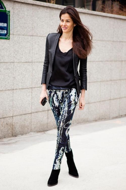 la-modella-mafia-Style-Icon-2012-Barbara-Martelo-fashion-editor-of-Vogue-Spain-street-style-in-Balmain-printed-trousers-with-a-blazer