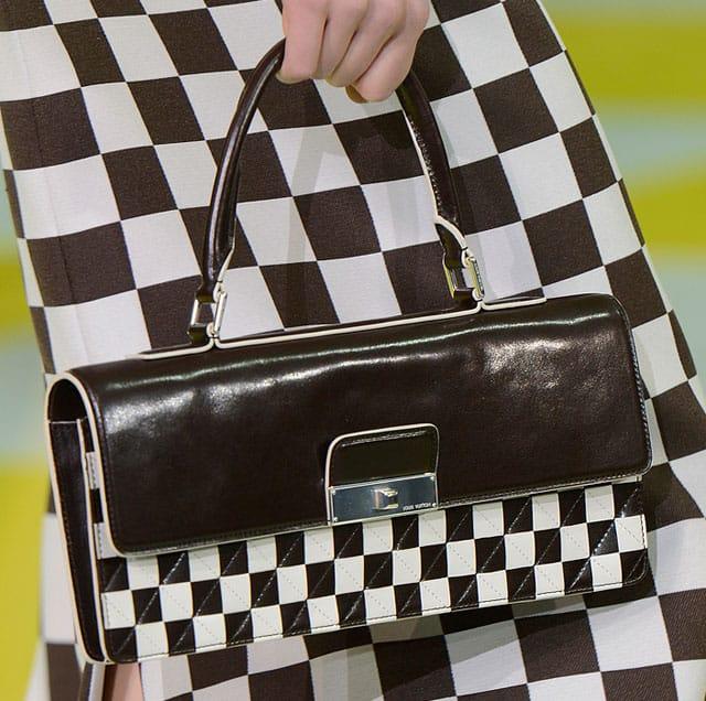 Louis-Vuitton-check-blag