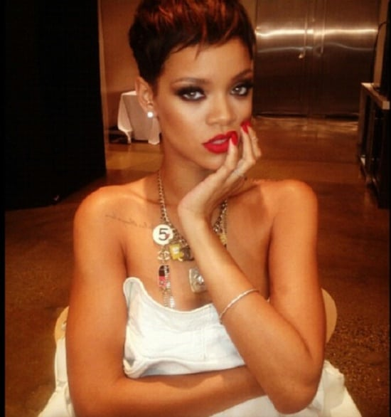 rihanna red-bold-lips