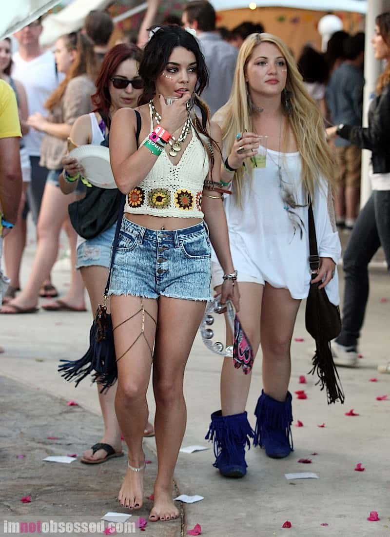 Vanessa-Hudgens-At-Coachella-cut-offs