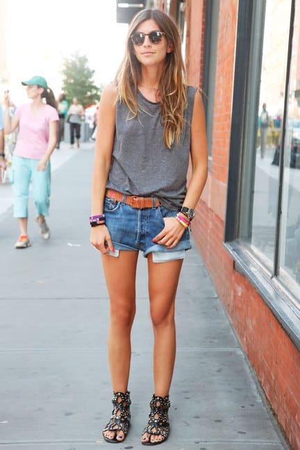 denim-shorts-street-style
