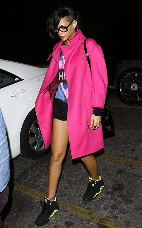 rihanna-pink-coat