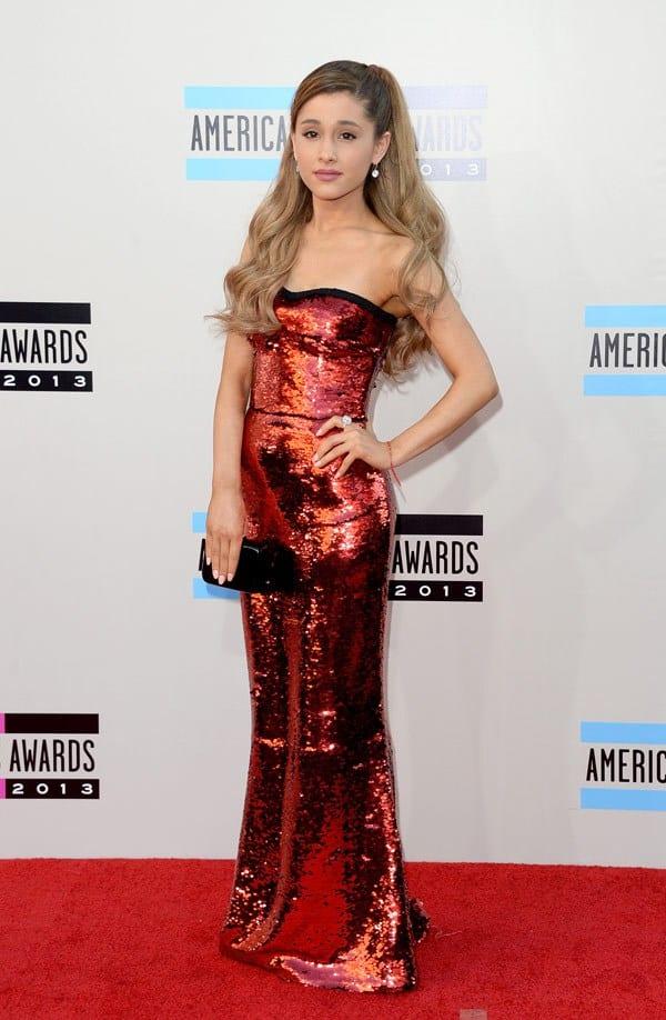 ariana-grande-american-music-awards-2013-red-carpet