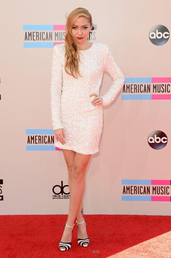 brandi-cyrus-american-music-awards-2013-red-carpet
