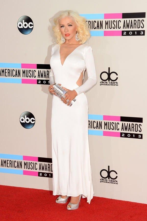 christina-aguilera-american-music-awards-2013-red-carpet